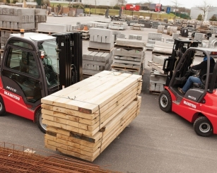 Manitou MI - Industrial Masted Forklift truck - 1.5 to 10 tons